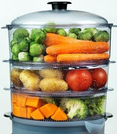 Steaming food in a food steamer for healthy eating